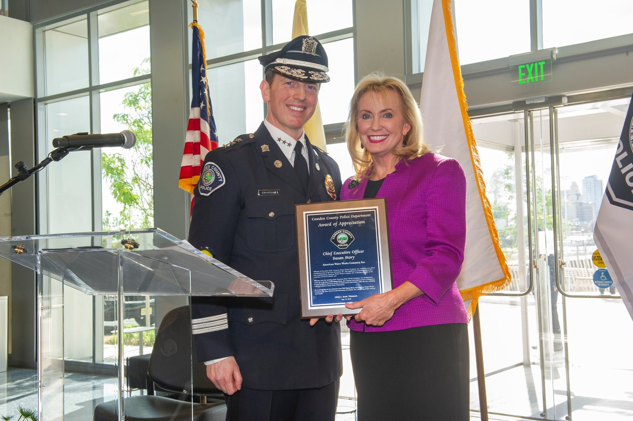 CEO Susan Story receives an Award of Appreciation from the local Police Department for American Water and the American Water Charitable Foundation's generous donation.